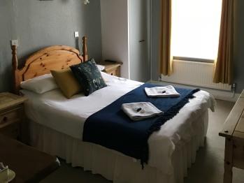 Double room-Private Bathroom- (Non En-Suite)