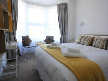 Double room-Ensuite with Shower-Coombesgate
