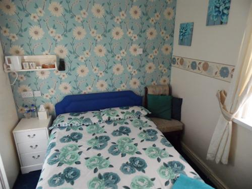 Double room-Standard-Ensuite with Shower