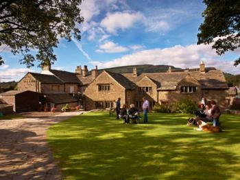 The Old Hall Inn - Beer Garden & Hall