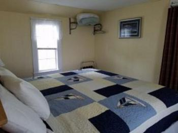 Classic King Cottage w/ Sofa 1, 2 and 3 Bed area