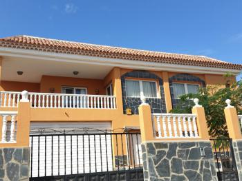 Nice 3 bedroom Apartment with swimming pool