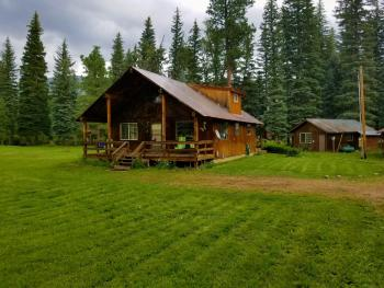 Cabin-Ensuite-Ponderosa Creekside Home