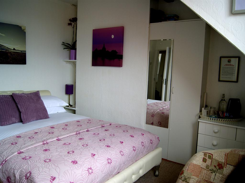 Double room-Standard-Ensuite with Shower-Sea View-2nd Floor