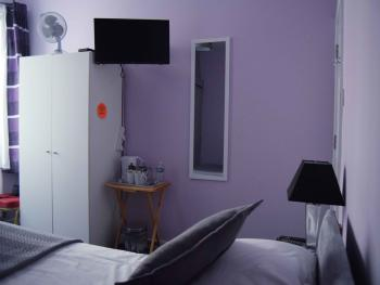 Budget-Double room-Ensuite with Shower