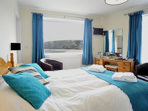 Double room-Ensuite-Sea View-(Bath with Shower-over)
