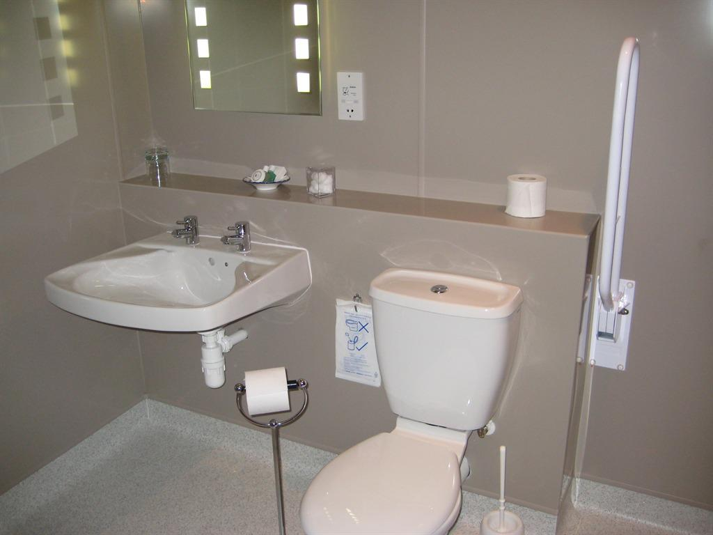 Twin Room (Wheelchair Friendly)