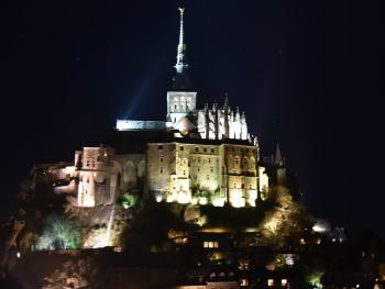 Mont Saint Michel illuminé à découvrir
