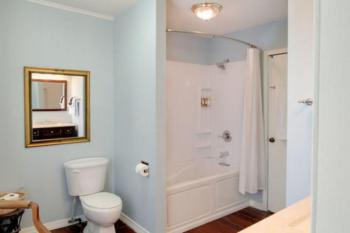 Bathroom in the Hibiscus Room has a Shower/Jetted Tub