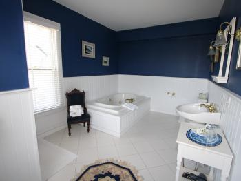 Langworthy Suite Bath