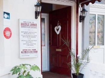 Bridle Lodge Apartments -
