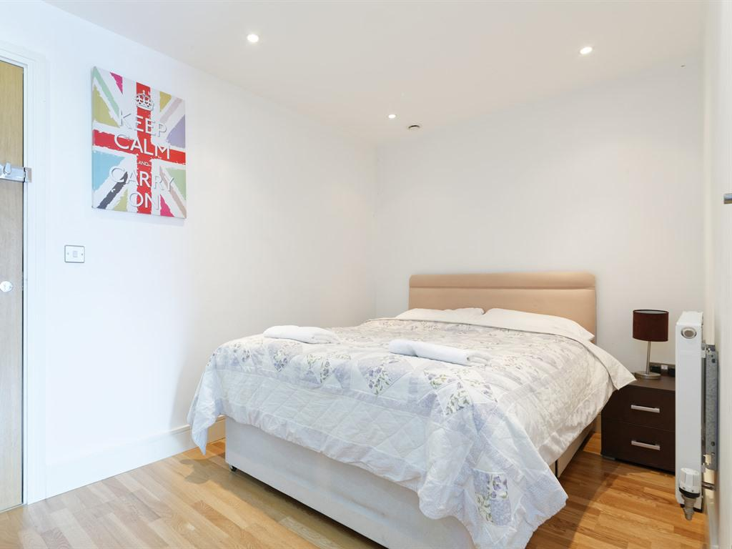 Studio-Apartment-Private Bathroom-King Studio (Sleep 4)  - Base Rate