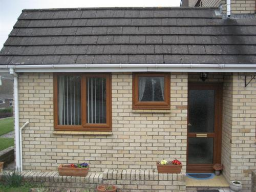 Annexe frontage