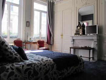 Double ou Twin-Salle de bain Privée-La chambre Voltaire
