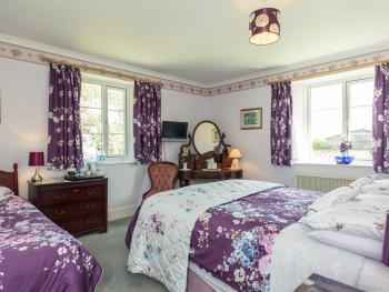 Triple room-Ensuite-Bluebell - Base Rate
