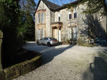 Bishopton Apartment -