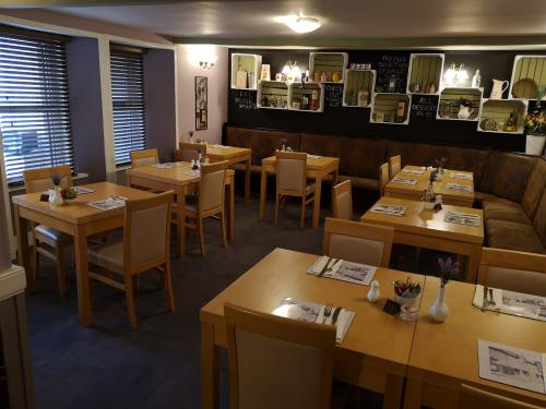 Lounge Bar Restaurant