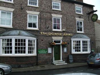 The Downe Arms - Front of the hotel