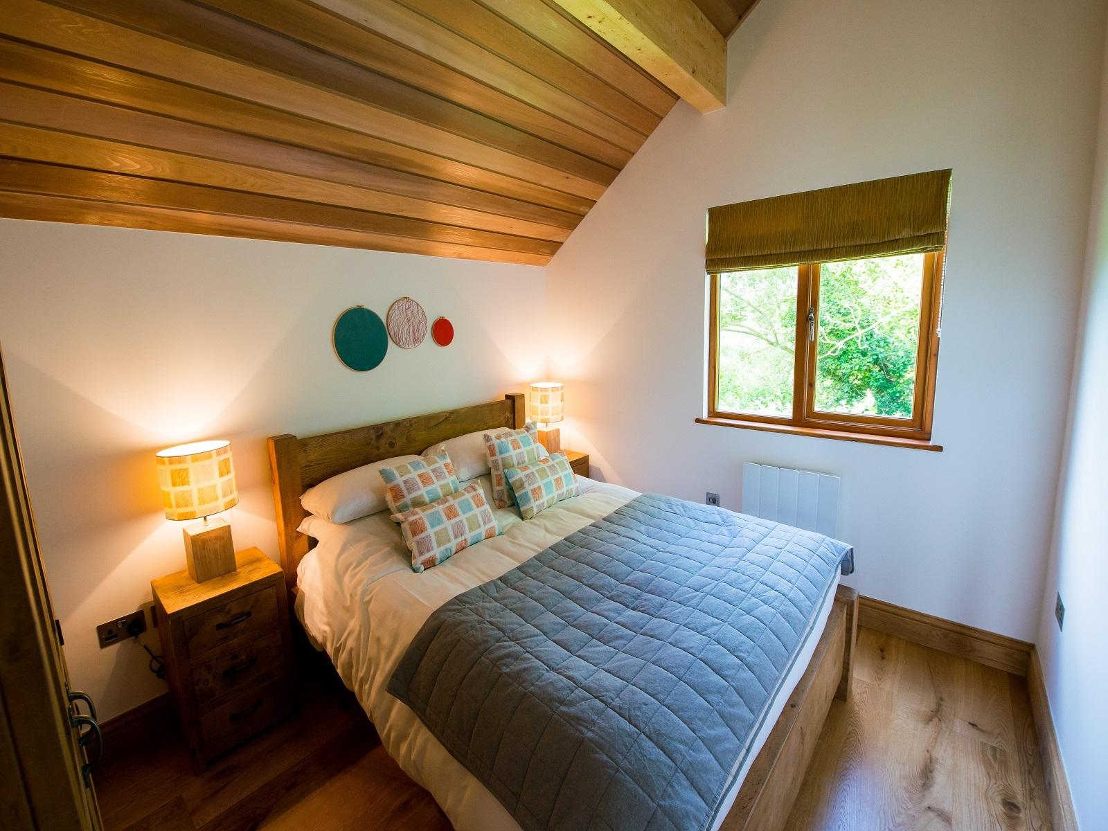 Lodge-Standard-Wet room-Bittern Lodge - Base Rate
