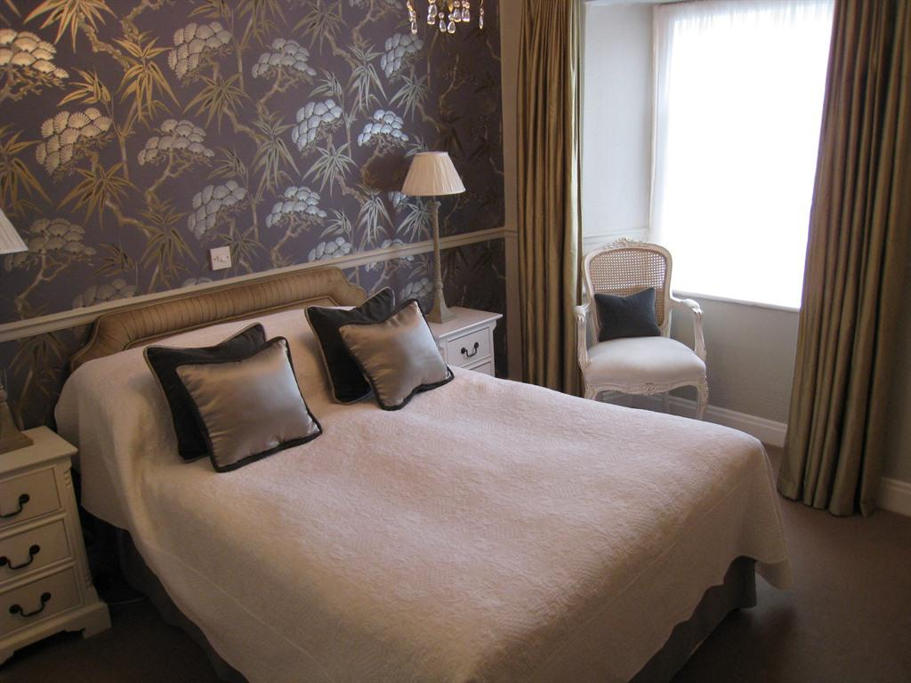 Double room-Ensuite with Shower-Garden View-Room 6 - Base Rate