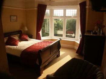 Double room-Ensuite-Red Room