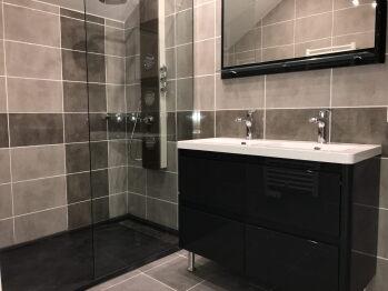 La salle de bains de la suite Églantine