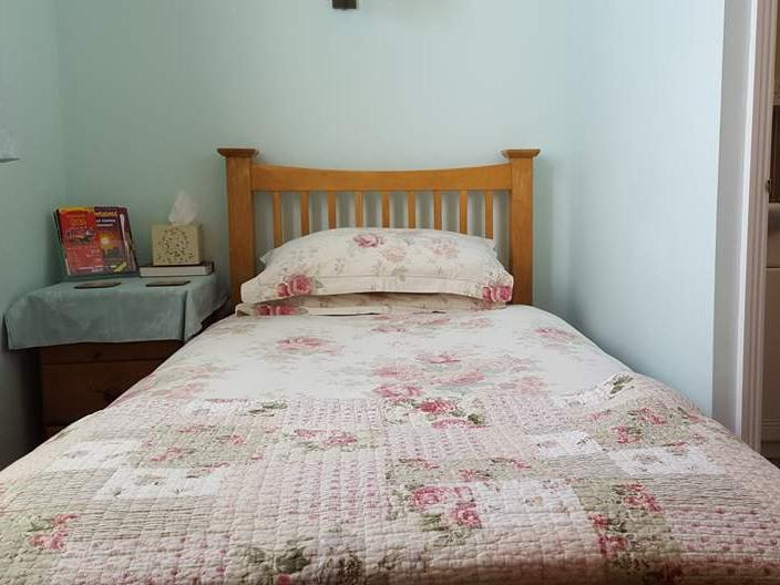 Single room-Comfort-Ensuite with Shower-Garden View-room1 single - Base Rate