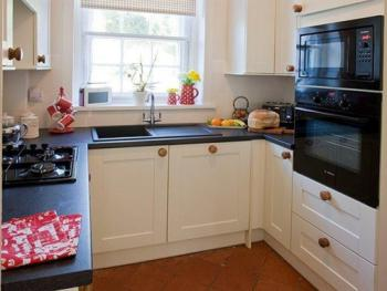 Fully Fitted kitchen and Utility Room with Laundry in the Coastal Cottage