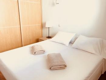 Apartamento-Confortable-Baño con ducha-Balcón-Patio Granada 3