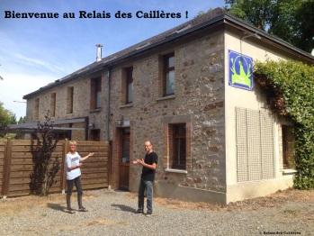 Martine et Pierre à l'entrée du Relais des caillères