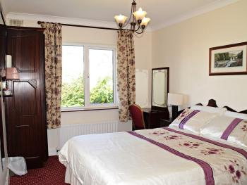 King-Double room-Ensuite with Shower-Garden View
