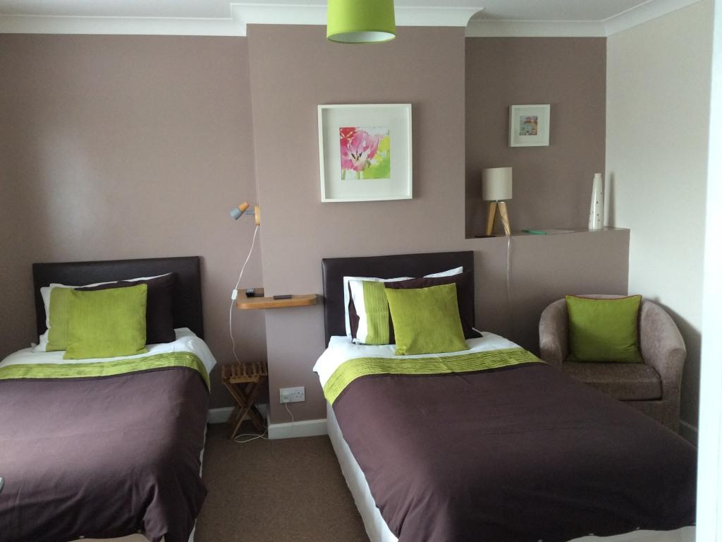 room1 - twin
