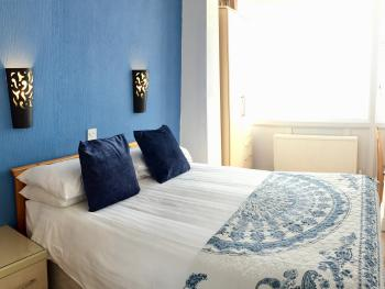 Double room-Standard-Ensuite-Sea View-Room 4