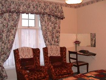 Double room-Luxury-Ensuite with Shower-City View-r8Large,Bright,OpenAspect