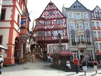 Marktplatz im nahen Bernkastel-Kues