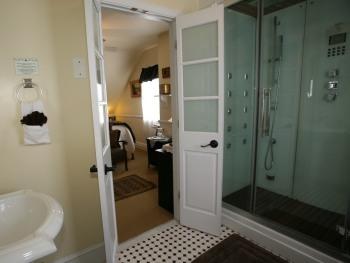 Tuscany Room Bath