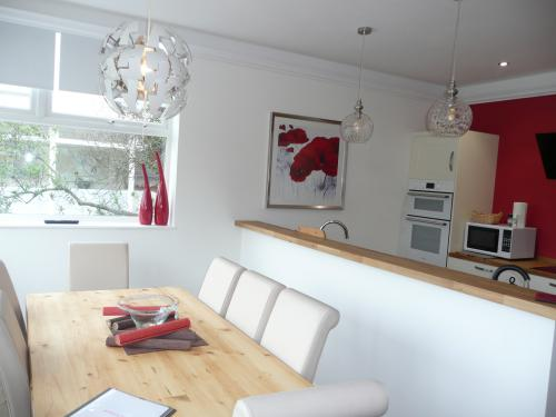 Kitchen diner with lovely views over the park - seats 7 comfortably