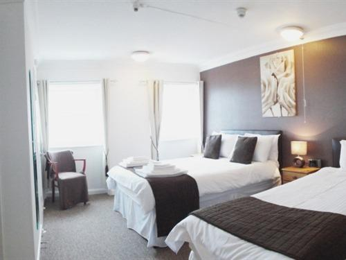 Family room-Ensuite-Sea View-(+ child 0-12 yrs) Room 5 - Base Rate