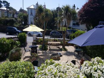 Our pretty south facing garden is bathed in Sunshine all day long