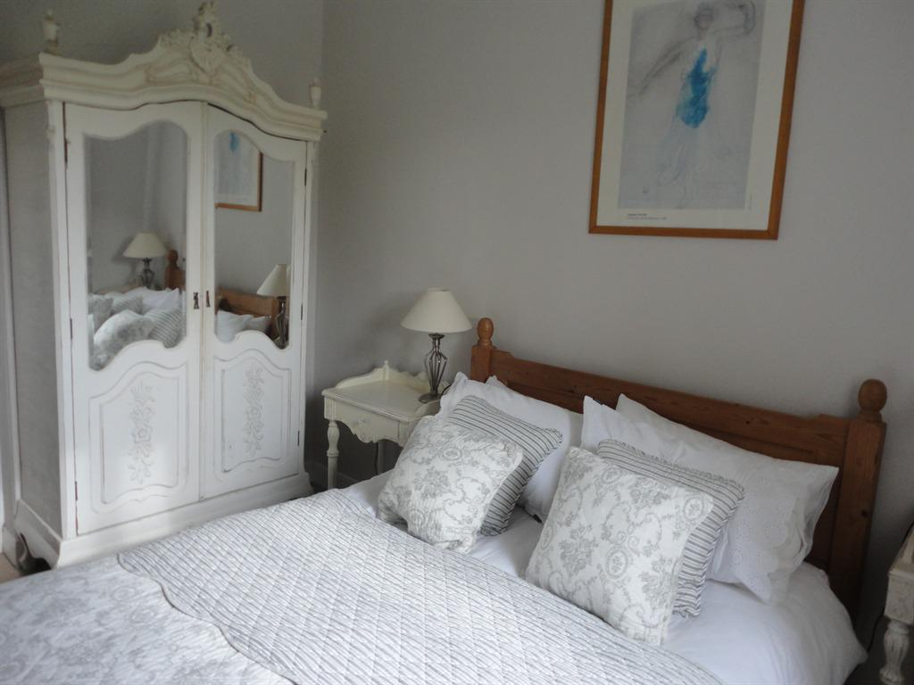 Apartment-Ensuite-Whitsand up to 4 Adults
