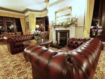 Lounge with bar