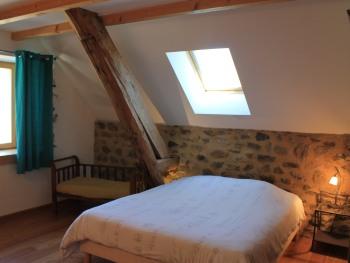 Chambre 2 pers lit en 160 avec salle d'eau