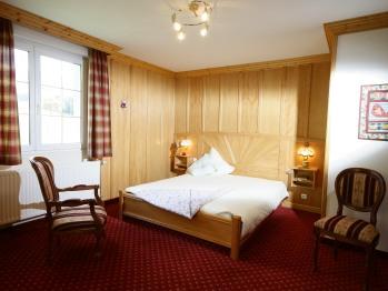Chambre pour 2 personnes, Lit king size Salle de bain ; baignoire spa, douche wc indépendant Terrasse