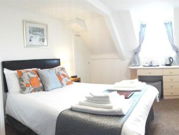 Double room-Ensuite-Room 10  non seavie - Base Rate