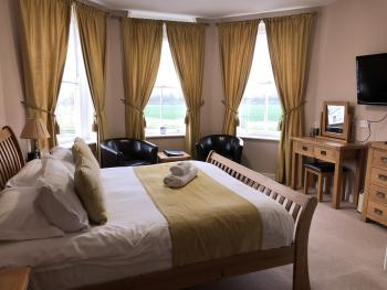 Double room-Signature-Ensuite-River view - Base Rate