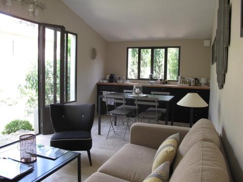 Le Cabanon espace Salon - Restauration
