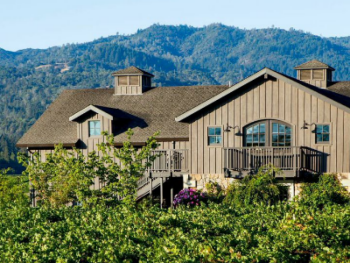 Salvestrin Winery and estate vineyards are steps away from the Inn. Guests can also enjoy a short walk to charming downtown St. Helena.