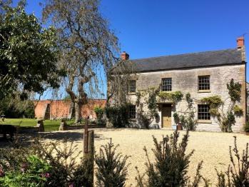 Huxham Farmhouse - Huxham Farmhouse