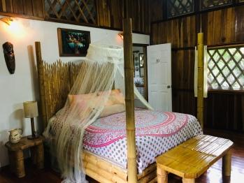 Mono Congo Bungalow interior