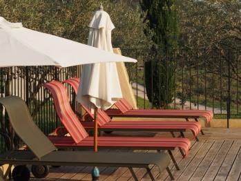 Bains de  soleil et deck